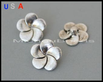BULK 25 FLOWER Shank BUTTONS - 14mm Antiqued Silver Tibetan Style Boho Nickel Free Metal Flower Charm Button Jewelry Clasp / Sewing - 6088