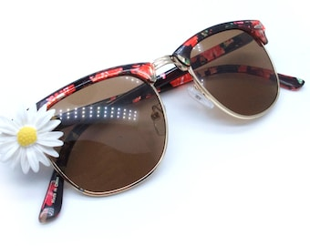 Floral/Gold Frames Sunglasses with Daisy Embellishment - UV400