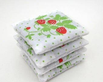 4 Dried Lavender Sachets - Strawberries - Garden Party Favors - Vintage Linens - Fruit - Berry