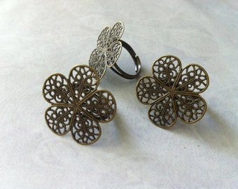 Ship from USA...  6 pcs Adjustable Ring / Filigree flower Ring Component,,,,,,Antique Bronze finding..perfect for  cabochon