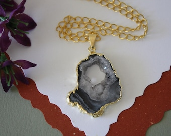 Druzy Necklace Gold, Geode Necklace, Crystal Necklace, Gold Geode Slice Druzy, GG109