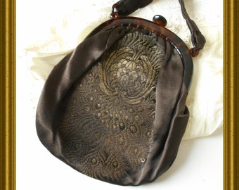 Another antique purse / handbag