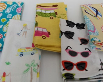 Kids Cloth Napkin Set of 5 // Day at the Beach // Lunchbox Napkins // Kids Handkerchief // Party Favor // Stocking Stuffer // Gift for Kids