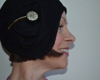 Vintage 1920s style  cloche hat, skull cap, Black, felted wool, Art Deco, Flapper, 20s,