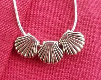 Scallop Shell Sterling Silver Necklace / Camino de Santiago . Pilgrim / Santiago / St James / Beach