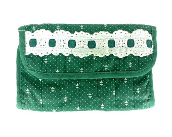 Vintage Quilted calico patchwork Wallet, Dark Green and White lace 1980's 1970's