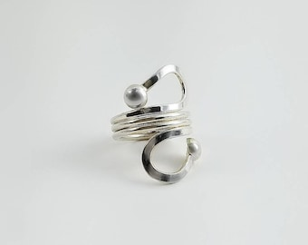 Sterling Wrap Ring - Silver Swirl Ring Size 6 - Sterling Loop Ring - Silver Ball Wrap Ring - Modernist Ring