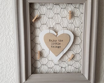 Knitted picture frame