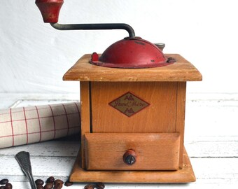 French Kitchen Vintage Red Wooden Coffee Grinder/Mill Mid Century AS Grand Mere 1950s