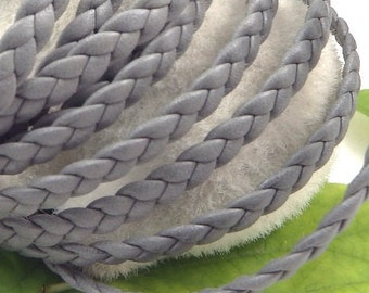 Flat grey leather braid  0,23 inches by 7,9 inches.