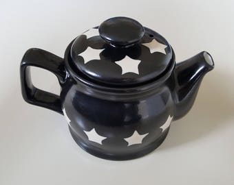 Black Teapot with Cream Stars