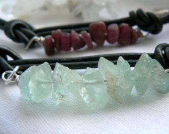 Raw aquamarine gemstone leather bracelet- Raw stoen bracelet-Unisex bracelet-Wire wrapped stone boyfriend bracelet-Jewelry unisex gift
