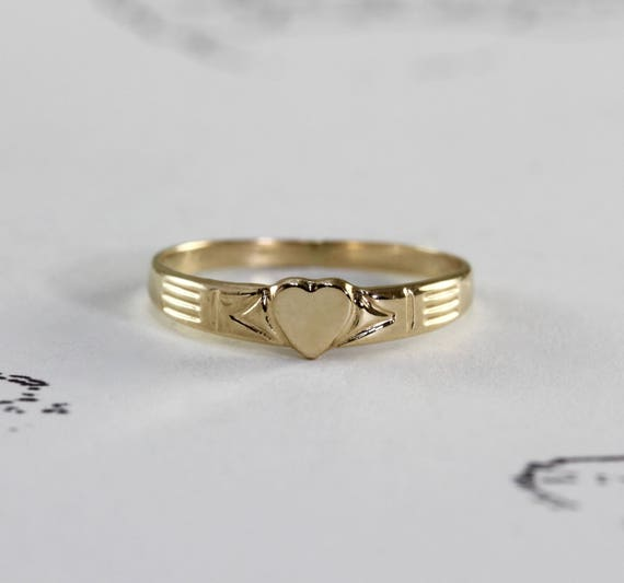 Vintage 14k Baby Ring Yellow Gold Heart Shaped Signet Midi