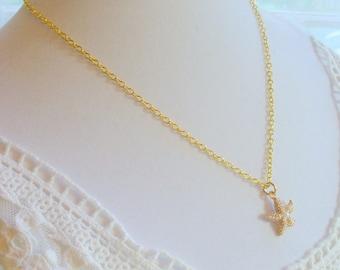 Starfish Necklace, Gold Starfish Pendant, Tiny Starfish, Pearl Starfish, Minimalist Necklace, Dainty Necklace, Starfish Jewelry, Beach Charm