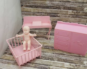 MPC Dollhouse Pink Change table and Playpen Dresser and baby  Furniture Multiple Plastics Corp Nursery Pieces pink soft plastic