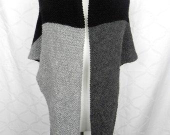 XL PONCHOTUCH stole wool hand knitted handmade grey black Colorblocking Alpaca Merino