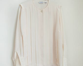 Beautiful Vintage Long Sleeved Button-up Pleated Ivory Blouse S.K. and Company