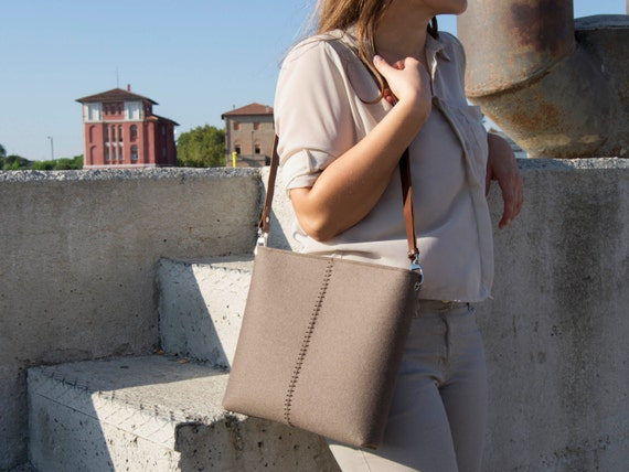 Felt small CROSSBODY BAG with leather strap / shoulder bag / taupe / felt bag / wool felt / made in Italy