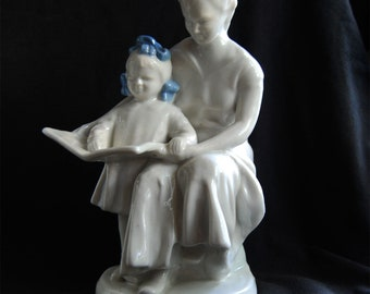 Soviet Mother child reading white porcelain figurine Polonnoe ZHK USSR Happy Childhood