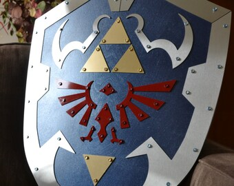 Hylian Shield - Ocarina of Time - Steel-Plated, Battle-Ready replica from Legend of Zelda