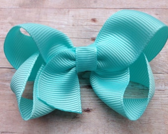 Baby blue hair bow - light blue bow, baby bow, toddler bow, 3 inch bows, girls hair bows, blue hair bows, girls bows, baby bows, hair bows