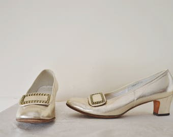 Siranna Shoes ~ Vintage 60s gold leather women's loafers brogues 7.5