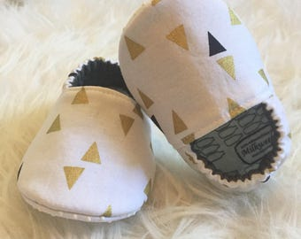 Baby Moccs: Party Moccs / Holiday / Baby Shoes / Baby Moccasins / Childrens Indoor Shoes / Vegan Moccs / Soft Soled Shoe / Montessori Shoes
