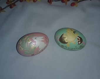 Set of 2 hand painted Vintage ceramic Easter eggs,Happy Easter eggs,Rabbit ,chicken,Spring flower design Easter egg,