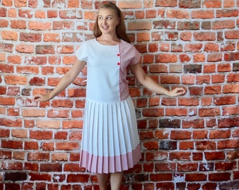 Vintage Candy Stripe Red and White Dress 1960's Day Dress Pleated Size 10