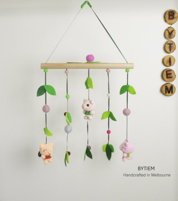 peppa pig baby mobile free local shipping woodland. Black Bedroom Furniture Sets. Home Design Ideas