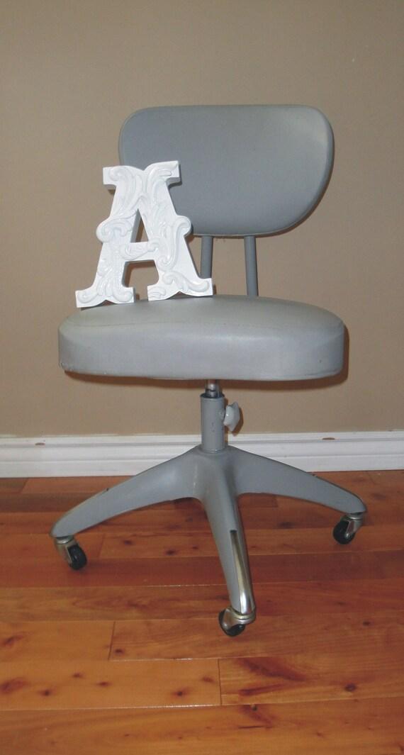 chaise de bureau vintage industrielle m tal gris retro. Black Bedroom Furniture Sets. Home Design Ideas