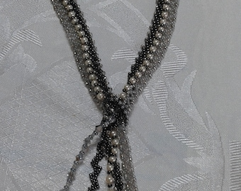 2D tie necklace