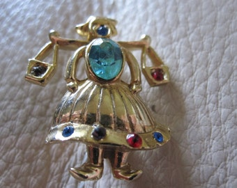 LITTLE DUTCH GIRL Water Carrier Brooch