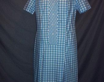 Blue Gingham Embroidered Bib Front Short Sleeved Shift Dress Daydress M B40 Vintage 60s Cotton Blend