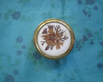 Vintage Floral Design Gold Metal Hinged Pill Box With Cushioned Lid