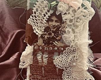 Ephemera vintage Lady Fabric Tag / shabby tag/ gift tag  (lot 3)