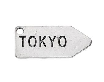 10 pendants in silver with message Tokyo