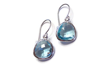 Aquamarine earrings Blue topaz earrings Blue earrings Blue glass earrings Blue dangle earrings March birthstone earrings Bridesmaid earrings