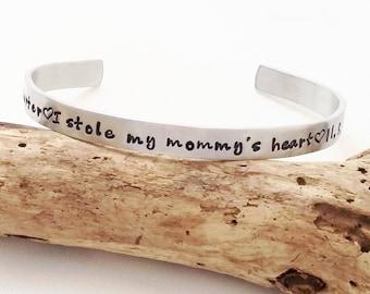 Cuff bracelet - Mother's Bracelet - I stole my mommy's heart bracelet - Personalized mom bracelet - Christmas Gift for Mom - Christmas Wife