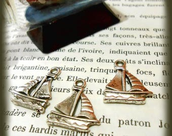 Antique silver sailing ship pendant 3