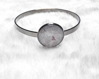 Thin dark grey white flowers bracelet
