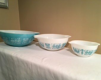 Set of 3 Pyrex Amish Butterprint  Cinderella Mixing Bowls