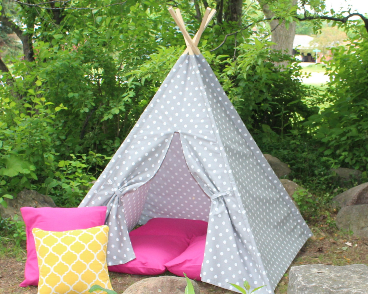 ?zoom & Play Teepee Gray Polka Dot Two Sizes Available READY TO