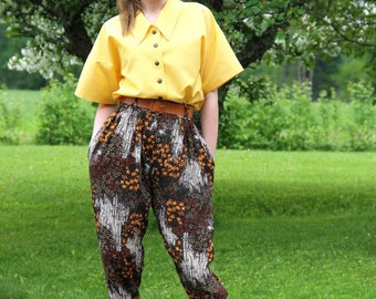 Vintage High Waisted Pleat Trousers / 80' Vintage Pants of Flowing Floral Material