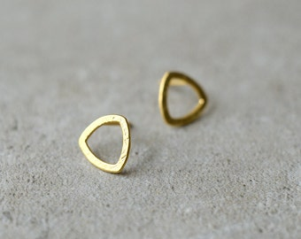 round triangle earrings, golden posts, gift for her, holiday gift, minimalist gold earrings, simple everyday earrings, gift for woman