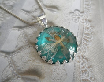 Star Of Bethlehem Blossom-Glowing Caribbean Ocean Turquoise Background Crown Pendant-Symbolizes Hope, Continued Happiness,Love