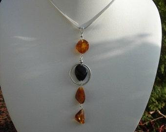 Superlanger amber pendant in 925 snake chain!