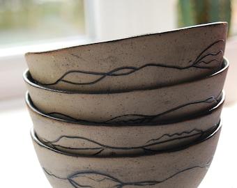 set of 4 bowls 'lips'