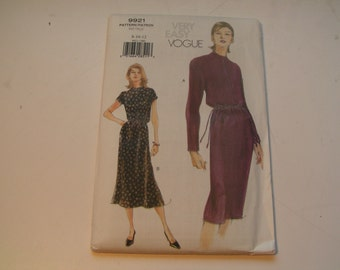 Vogue Pattern 9921 very easy Miss Dress
