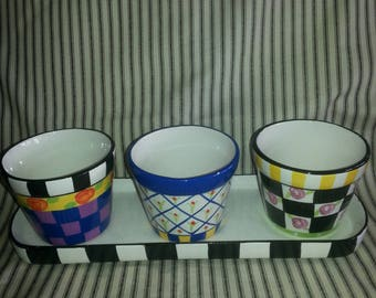 Black and white checkered flower pot, vases